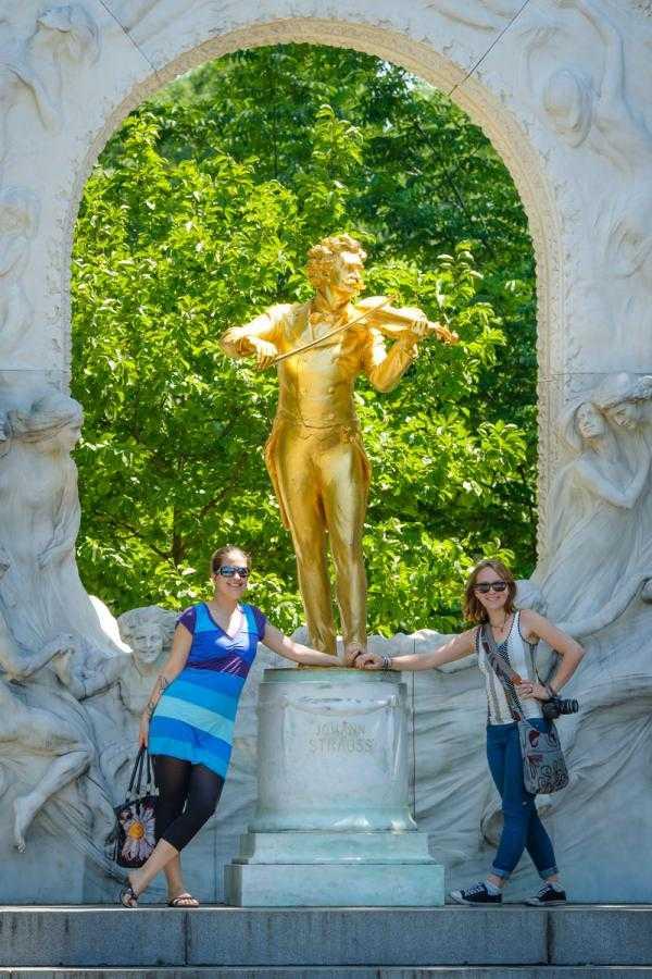 Vacation Photographer Vienna - The Golden Strauss Statue in Stadt Park