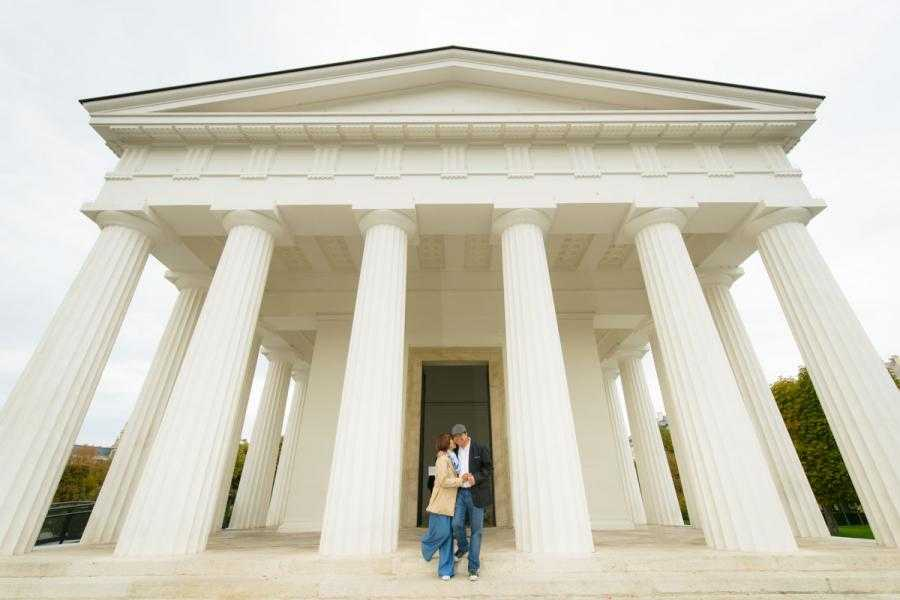 Vacation Photographer Vienna - The Temple in Volksgarten