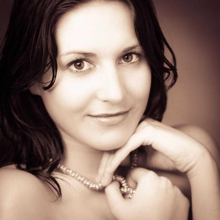 Portrait Photographer Vienna. Book Your Portrait Photoshoot in Vienna