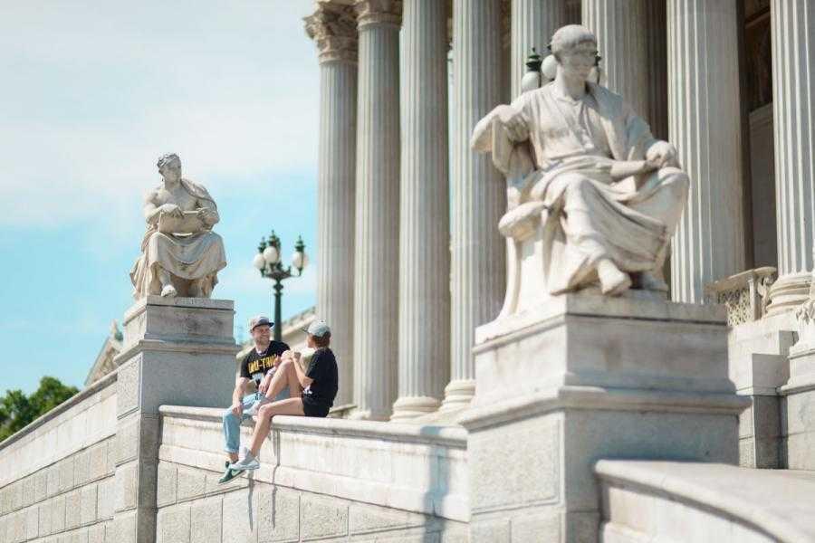 Vacation Photographer Vienna - Parliament